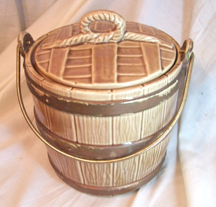 McCoy Oaken Bucket Cookie Jar from about 1965
