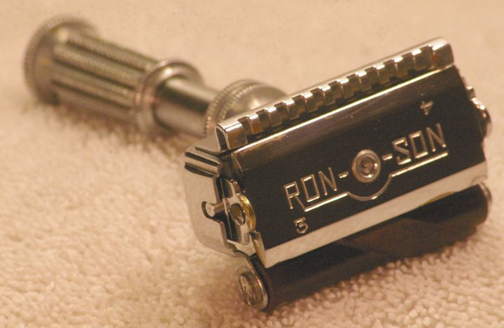 Ronson Razor, Double Edge, Self Stropping, from 1931