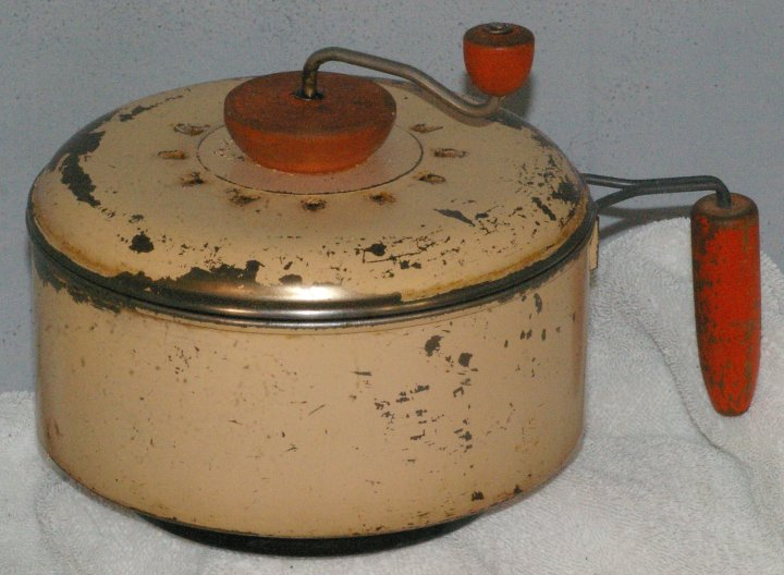 Vintage Popcorn Popper from 1930s