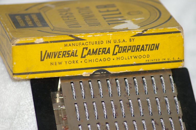 Universal Automatic Titler for 8 and 16mm Movies about 1935