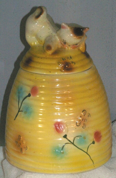 American Bisque Kitten on Beehive Cookie Jar from 1950s