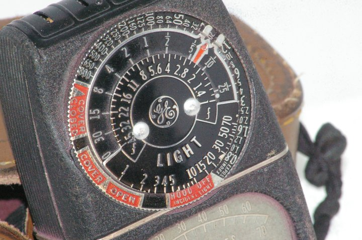 GE Photographic Exposure Light Meter from 1942