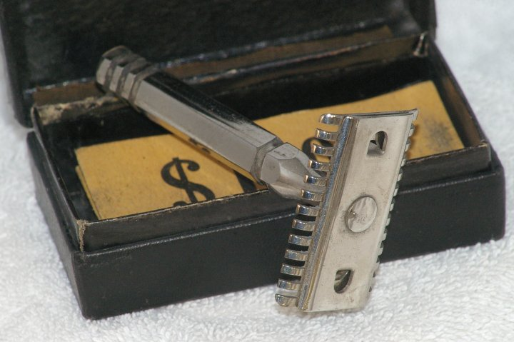 Rogers Brothers Open Comb Double Edge Razor from 1920s
