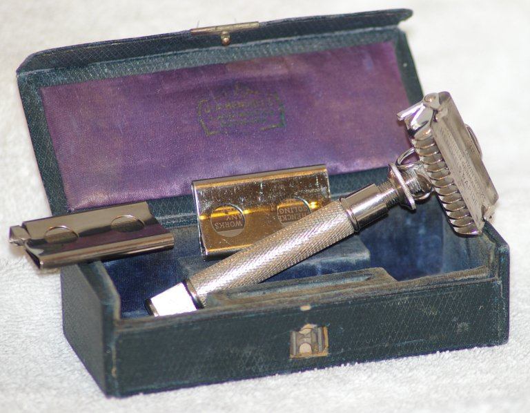 J A Henckels Rapide Safety Razor with Case and Blades ca 1910
