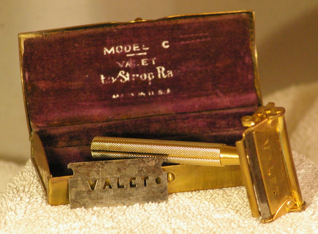 Valet Autostrop Model C Kit from around 1941