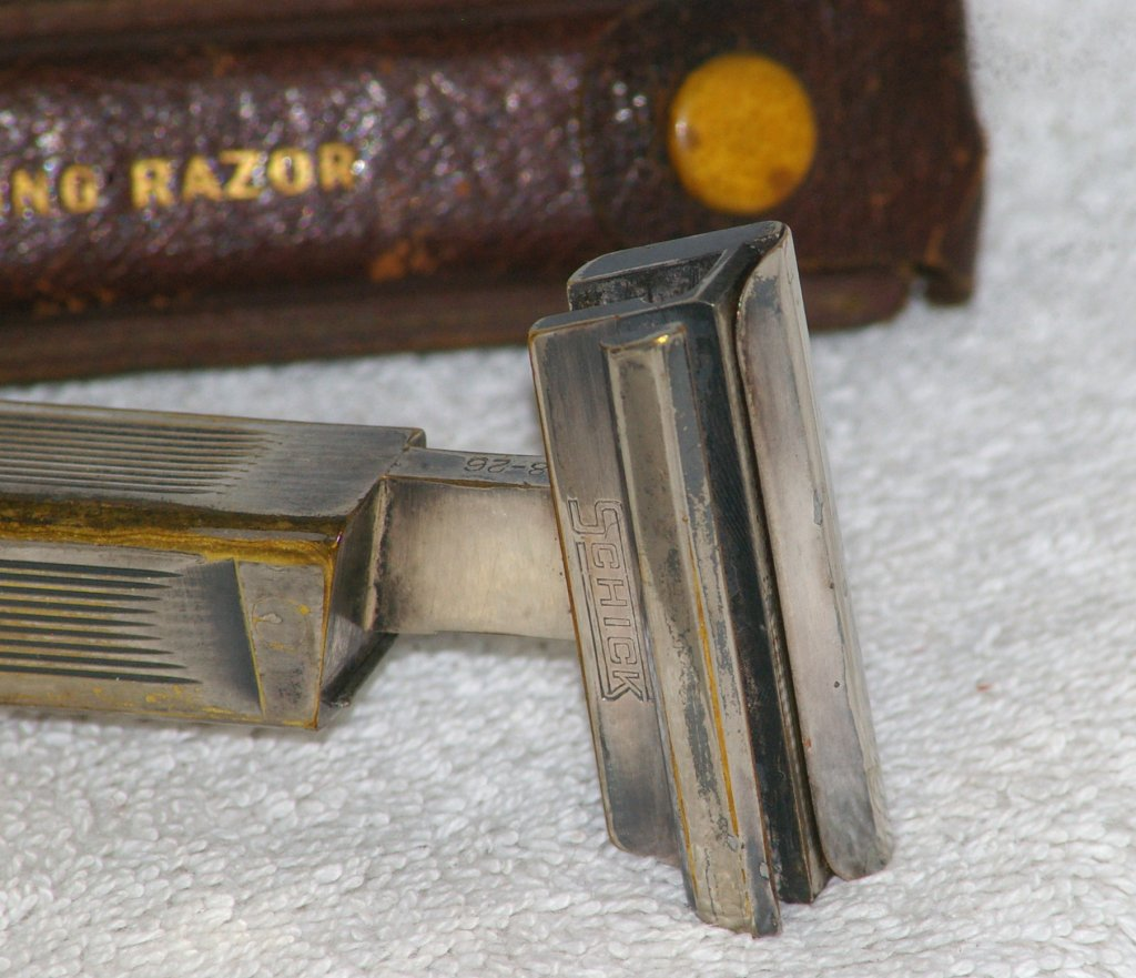 Schick Type B1, Magazine Repeating Razor from 1927