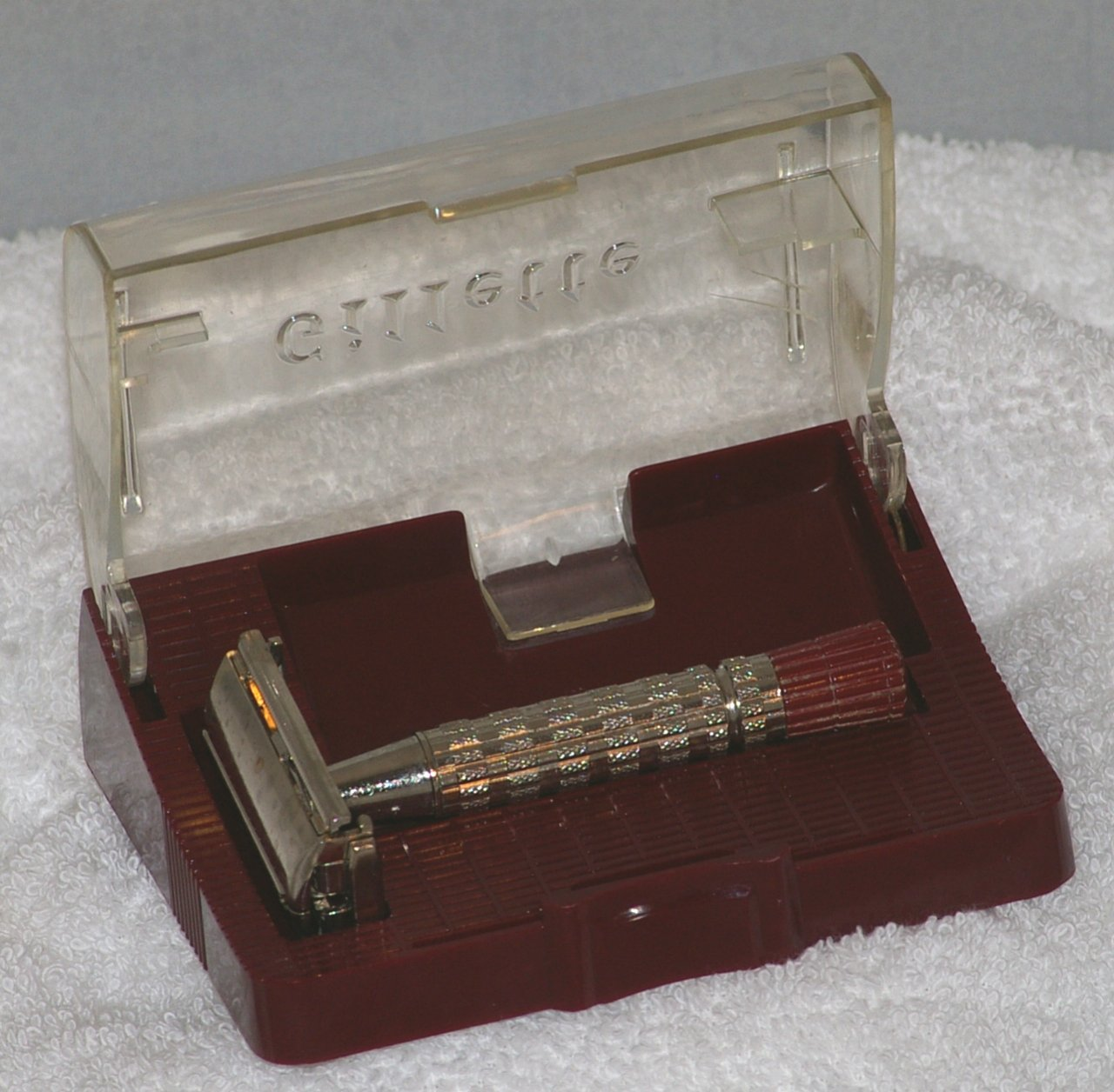 Gillette Red Tip Super Speed Safety Razor in Case from 1956