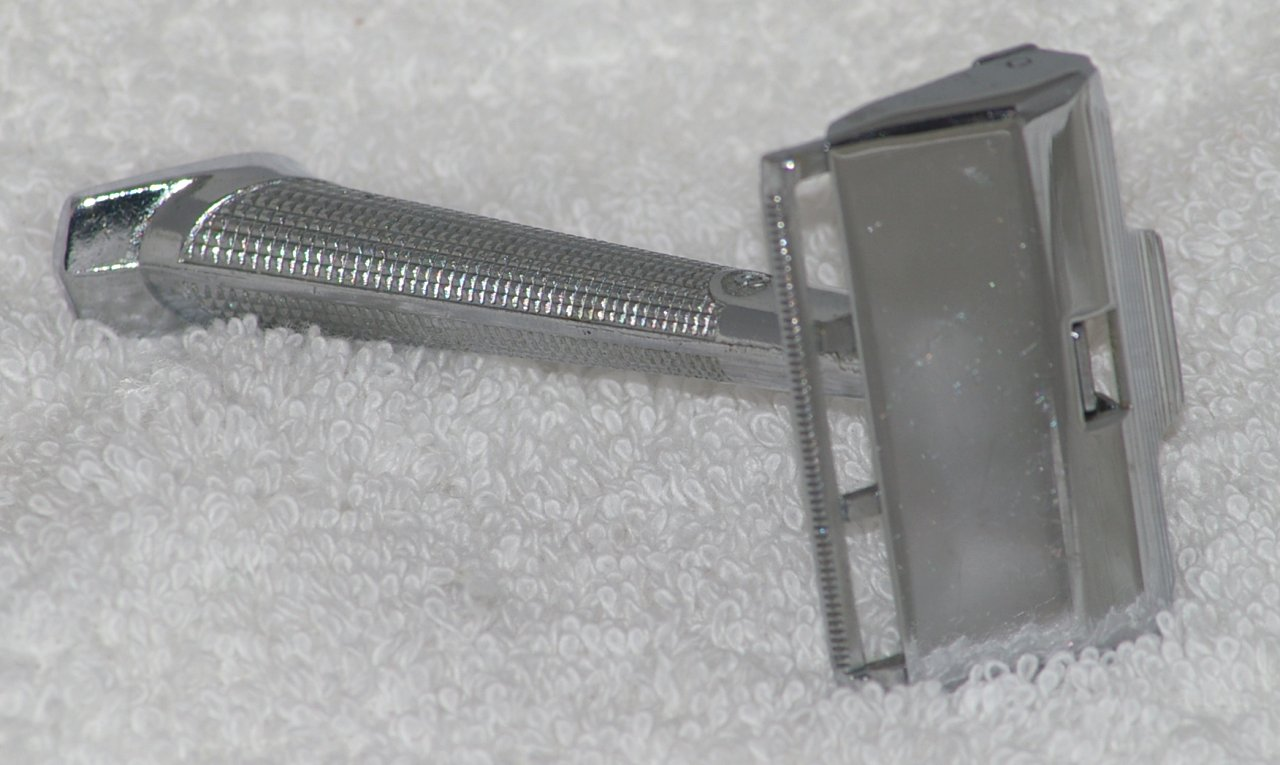 GEM G-Bar Single Edge Razor from 1958
