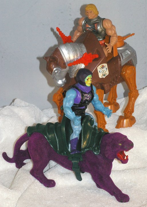 Masters of The Universe Battle Damage He-Man, Skeletor, and More