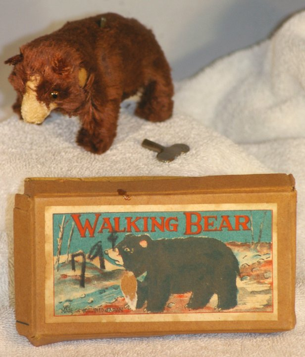 Occupied Japan Walking Bear Wind Up Toy with Box and Key 1945-52